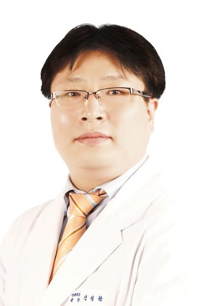 41회_장안동_신성찬_척추전만증_스포츠조선(180427).jpg